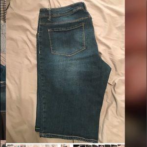 Pants - Bermuda style shorts